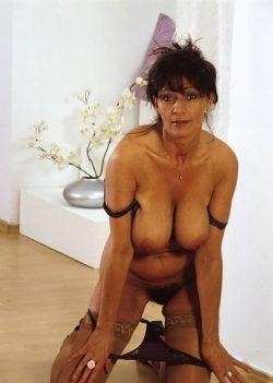 Женщина, любящая секс и бдсм, ищу мужчину
